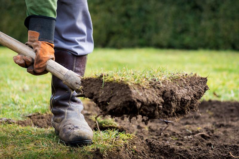 Gartenpflege - Rasen entfernen